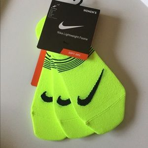NIKE 3 PAIR LIGHTWEIGHT FOOTIE NO SHOW SOCKS NEON